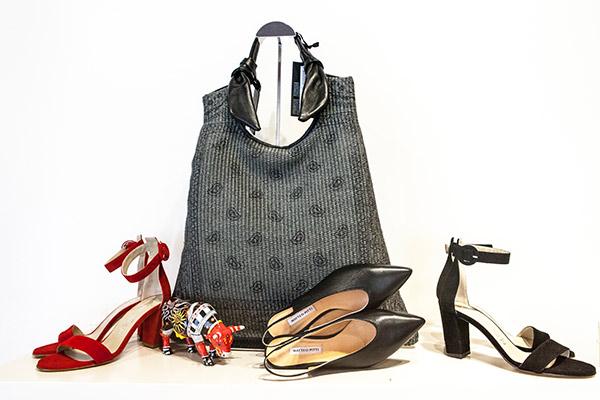 Collezione P/E Mucca Carolina Genova calzature donna, sandali rossi e neri e borsa